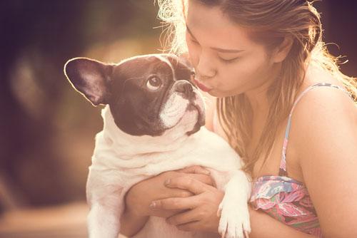 Dog-kissing - brendawatson.com